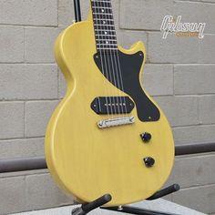 Back to basics! #Gibson 1957 Les Paul Junior Reissue VOS in TV Yellow. Gibson Lp, Gibson Les Paul Jr, Vintage Guitars, Porn, Banjos, Yellow, Music, Inspiration, Ideas