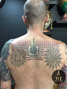 Done traditional Thai Tattoo by Ajarn Tom(www.bt-tattoo.com) #bttattoo #bttattoothailand #thailandtattoo #bangkoktattoo #thaibamboo #thaibambootattoo #sakyant #bangkoktattooshop #bangkoktattoostudio #thailandtattooshop