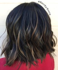 Wavy Bob With Honey Blonde Babylights