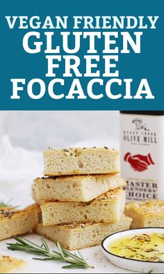 Gluten Free Focaccia with Rosemary (Vegan Friendly!) Gluten Free Focaccia - This rosemary focaccia is made entirely gluten free and vegan! It's easier than you think and has the perfect crispy crust a Sans Gluten Vegan, Gluten Free Diet, Foods With Gluten, Gluten Free Desserts, Paleo Vegan, Gluten Free Cooking, Raw Vegan, No Bread Diet, Best Keto Bread