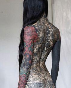 What do you think of this tattoo collection? On @anhwisle ____________________#backtattoo#japanesetattoo#tatoo#tattoo#tattoos#tattooed#tat#tatts#tatted#tattedup#inkedup#tatuagem#тату#tatuaje#tatuaggio#tatouage#tattoolife#ink#inked#instatattoo#inkstagram#tattoolove#tattooing#tattoooftheday#tattooart#tattooartist#tattooist#tattooer#tattooworkers#bodyart   Artist: @theartoftattooingofficial