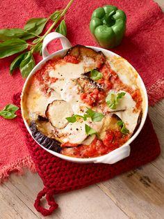 Parmigiana di Melanzane - Auflauf mit Auberginen, Parmesan, Mozzarella und frischem Basilikum