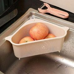 47 Outstanding Kitchen Sink Drain Rack Ideas To Create A Good Kitchen Organization Tidy Kitchen, Cheap Kitchen, Kitchen Shelves, Kitchen Gadgets, Kitchen Storage, Kitchen Rack, Kitchen Cleaning, Kitchen Utensils, Kitchen Organization