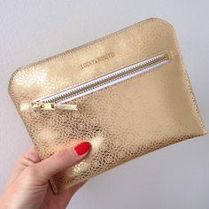 Pochette/trousse en cuir OR imprimé motifs fermeture eclair en laiton doré : Etuis, mini sacs par lucky-rosetta