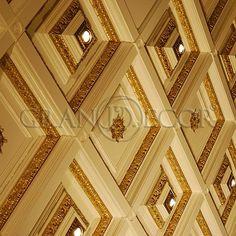 При оформлении квартиры в дворцовом стиле самым важным вопросом был кессонный потолок. Мы всегда очень качественно подходит к выполнению данных конструкций.  #grandecor #грандекор #дизайнинтерьера #интерьер #интерьерыиздерева #молдинги #артдеко #дизайн #дизайнер #классика #тренд #фасады #кухни #двери