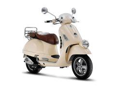 """Bought this; Vespa GTV 125, 2008, 70 km.    Enrico Piaggio: """"Pare una vespa"""", e vespa fu! Il 24 aprile, alle ore 12, viene depositato negli uffici di Firenze il brevetto per una """"motocicletta a complesso razionale di organi ed elementi con telaio combinato con parafanghi e cofano ricoprenti tutta la parte meccanica"""", la Vespa. I primi esemplari furono venduti con qualche fatica, ma Enrico Piaggio, dimostrando la stessa audacia del padre, ne mise ugualmente in produzione 2.500."""""""