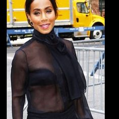 #jadapinkettesmith #seethru #bellybutton #nippy #sexyy #hot #celebrities #bras