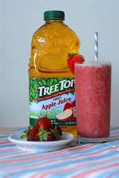 Convenient and kid-friendly, smoothies are ideal fuel for adults and kids alike. They're also a refreshing summer treat, a nutritious afternoon snack and a great on-the-go breakfast option. Tree Top, producers of apple juice Smoothie Recipes For Kids, Smoothies For Kids, Easy Smoothies, Breakfast Smoothies, Fruit Smoothies, Milkshake Recipes, Kid Friendly Smoothies, Kid Friendly Meals, Juice Smoothie