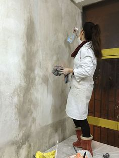 Diy Wall Painting, Faux Painting, Texture Painting, Painting Tips, Faux Walls, Grey Walls, Textured Walls, Cement Walls, Concrete Wall