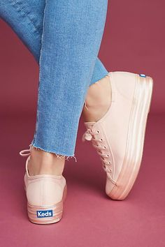 Keys To Finding The Best Sneakers For Women. Are you shopping for the best sneakers for women? Keds Shoes Outfit, Keds Sneakers, Canvas Sneakers, Sandals Outfit, Estilo Real, Metallic Sneakers, Pink Shoes, Platform Sneakers, Me Too Shoes