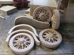 Toy Construction Ford van Just about there Wooden Wagon Wheels, Wooden Toy Trucks, Wooden Car, Diy Toys Car, Woodworking Bandsaw, Abandoned Asylums, Pinewood Derby, Wood Toys, Wood Carving
