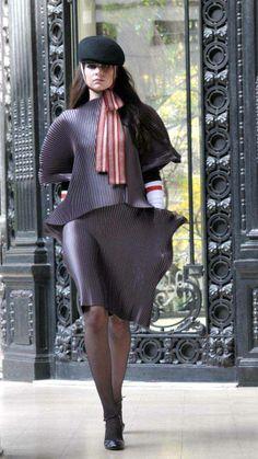 min agostini | Min Agostini presenta colección otoño invierno 2010 con desfile ... Peplum Dress, Fashion Ideas, Chic, Dresses, Style, Peplum Gown, Fall Winter, Trends, Shabby Chic