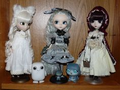 Pullip Nana Chan, Alice Monochrome and Bloody Red Hood