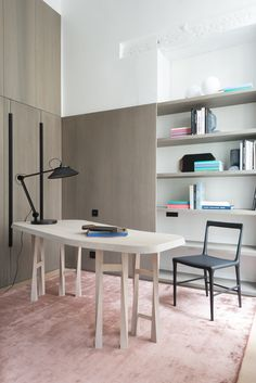Why the Home Office Furniture You Use Matters Small Office Desk, Creative Office Space, Office Workspace, Study Office, Home Office Furniture, Table Furniture, Furniture Design, Space Interiors, Office Interiors