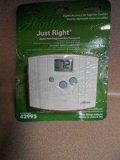 THERMOSTAT DIGITAL NON PROGRAMMABLE. HUNTER. NEW IN PACKAGE