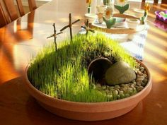 Easter Garden.... going to make this  with the kids! :).  Great Sunday School idea, or even for front table at church.