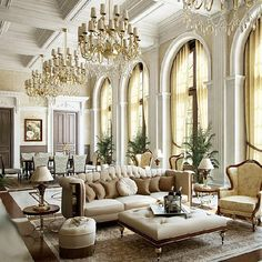 Luxurious Home With French Decor With Awesome Furniture : French House Interior Design Ideas For Classy And Priceless Look - Simplelocksmith Mansion Interior, Luxury Homes Interior, Luxury Home Decor, Home Interior Design, French Home Decor, French Interior, Classic Interior, Ceiling Design, Luxury Living