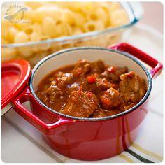 El gulash es un plato tradicional de la cocina húngara, así como también de los países vecinos como Austria, Alemania, Croacia, Serbia y Rumanía.