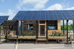 A team from Vermont's Middlebury College designed and built this small house for Solar Decathlon 2013. InSite, as it is called, is intended to meet the needs of young Vermont families. The team foc...