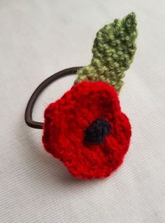 Handmade Knitted Poppy Hairband Front Fitting in Knitting Children Craft Ideas Knitted Poppy Free Pattern, Leaf Knitting Pattern, Knitted Flower Pattern, Knitted Poppies, Knitted Flowers, Loom Knitting, Knitting Patterns Free, Flower Patterns, Knit Patterns