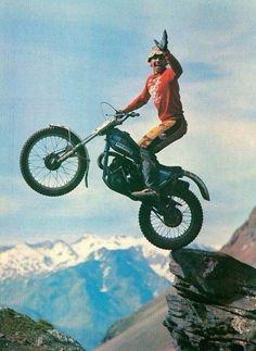 Bultaco Sherpa T 350 Vintage Motocross, Vintage Motorcycles, Custom Motorcycles, Cars And Motorcycles, Trail Motorcycle, Motorcycle Posters, Motorcycle Engine, Bultaco Motorcycles, Motorbikes