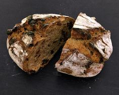 This Sourdough Cinnamon Raisin Loaf combines the fragrant coziness of cinnamon raisin bread with the health benefits of whole-grain heirloom wheat flour and sourdough leavening. Sourdough Recipes, Sourdough Bread, Bread Recipes, Rye Bread, Healthy Eating Recipes, Cooking Recipes, Amish Friendship Bread, Cinnamon Raisin Bread, Fermented Foods