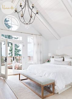 Dreamweaver Today's inspiration comes in the form of romantic Hamptons' style bedroo...