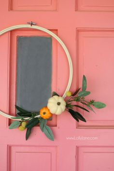 Such a cute fall wreath for your front door fall decor! Love this DIY fall wreath hoop art! Diy Fall Wreath, Autumn Wreaths, Fall Diy, Wreath Ideas, Diy Crafts For Adults, Diy And Crafts, Diy Wood Wall, Diy Y Manualidades, Thanksgiving Decorations