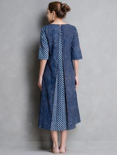 Buy Indigo Ivory Coral Dabu Printed Button Detail Cotton Dress by Indian August Apparel Tops Designer Kurtis, Designer Dresses, Kurti Patterns, Dress Patterns, Mccalls Patterns, Kurta Designs, Blouse Designs, Modest Outfits, Modest Fashion