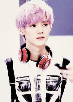 Purple haired Luhan