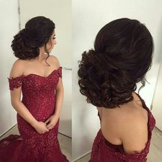 Burgundy Tulle Mermaid Wedding Dresses Off The Shoulder Appliques Beaded Plus Size Lace Wedding Dress Bridal Gowns Modest Bride Dress Beaded… Elegant Hairstyles, Vintage Hairstyles, Cool Hairstyles, Quince Hairstyles, Bride Hairstyles, Bridal Hair And Makeup, Hair Makeup, Curly Hair Styles, Natural Hair Styles
