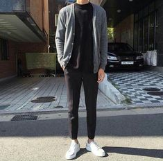 Raddestlooks: The Best Men's Fashion Outfit Collection. The inspiration that you need. Streetwear Summer, Streetwear Mode, Streetwear Fashion, Urban Apparel, Casual Outfits, Men Casual, Fashion Outfits, Fasion, Korean Fashion Trends