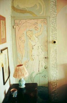 Bloomsbury painted door