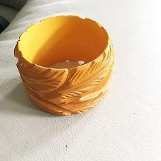 Best of the Best WIDEST LEAF CARVED Vintage Bakelite Bangle Bracelet