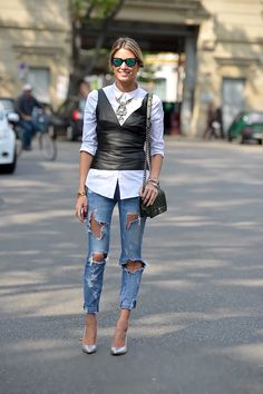 Street Style Obsession White Shirt Plus Crossbody Bag Plus Distressed Jeans Plus Heels Plus Black Leat - Women's Style - Outfits Looks Street Style, Autumn Street Style, Looks Style, Street Chic, Street Wear, Mode Outfits, Trendy Outfits, Fashion Outfits, Fashion Trends