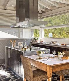 Spanish pavilion style kitchen; Iñaki Mújika