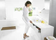 Acabados & Formas White Jeans, Coat, Pants, Jackets, Fashion, Bathroom Furniture, Shapes, Trouser Pants, Down Jackets