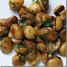 Garlic butter mushrooms. a great side for dinner :)