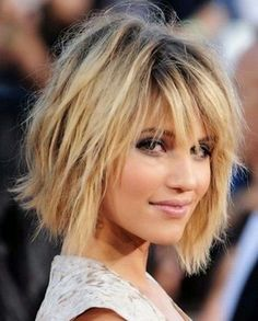 Dianna Agron Short Bob Hairstyles with Bangs Short Layered Bob Haircuts, Bob Hairstyles With Bangs, Short Hair Cuts, Layered Hairstyles, Hairstyles 2018, Short Bobs, Shag Hairstyles, Bob Bangs, Trendy Hairstyles