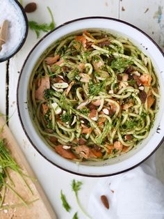Pesto Pasta, Japchae, Salmon, Spaghetti, Ethnic Recipes, Pasta Al Pesto, Atlantic Salmon, Noodle, Trout