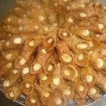 Blighat met sesamzaad en amandelen Morrocan Food, Party Snacks, Cake Cookies, Apple Pie, Tea Time, Donuts, Cookie Recipes, Tapas, Sweets