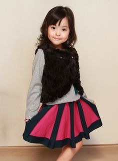 [La La Dress] is Japanese girls clothes brand.   http://www.laladress.jp/