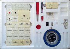 The empty places are after former electronics parts, which are in white modules now. Prázdná místa jsou po součástkách, které jsou nyní v bílých modulech.