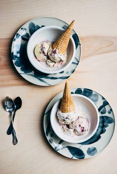 blueberry swirl sour cream ice cream