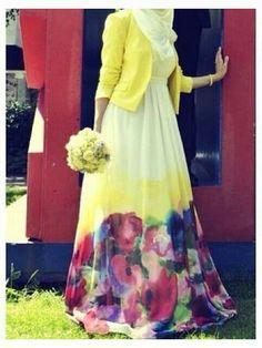 Floral Printed Muslimah Anna Hariri Latest Abaya with Hijab Styles – Girls Hijab Style & Hijab Fashion Ideas Hijab Fashion 2016, Trend Fashion, Modest Fashion, Look Fashion, Abaya Fashion, Fashion Ideas, Fashion Dresses, Muslim Dress, Hijab Dress