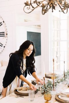 Joanna Gaines Reveals Her Tips for the Perfect Thanksgiving Table