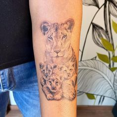 Mommy Tattoos, Tattoo Mama, Mother Tattoos, Leo Tattoos, Baby Tattoos, Family Tattoos, Arm Tattoo, Body Art Tattoos, Pretty Tattoos