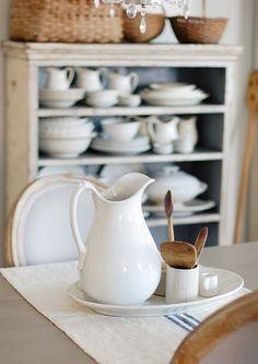 Cream Life White Cottage, Cottage Style, Farmhouse Style, Farmhouse Decor, Kitchen Dining, Kitchen Decor, Kitchen Styling, Kitchen Interior, Dining Rooms