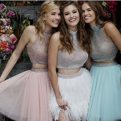 Fall is going to be fabulous with these dresses! Cute Prom Dresses, Old Dresses, Quince Dresses, Homecoming Dresses, Short Dresses, Bridesmaid Dresses, Formal Dresses, Wedding Dresses, Vestidos Neon