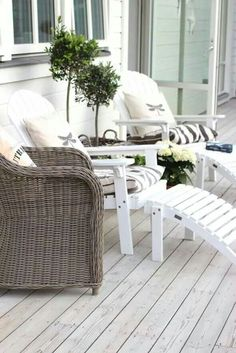 Outdoor Deck Ideas - Think outside the typical timber system with smart layout ideas for a series of setups as well as spending plans. Outdoor Rooms, Outdoor Gardens, Outdoor Living, Outdoor Decor, Terrace Roof, Garden Furniture, Outdoor Furniture Sets, Backyard Pergola, Pergola Kits